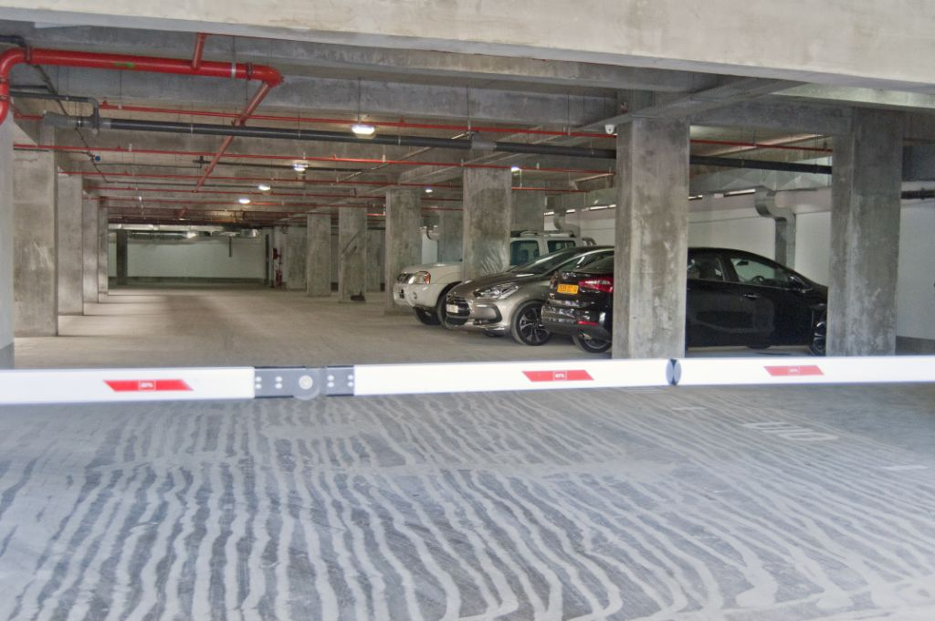Parking Ebene Junction